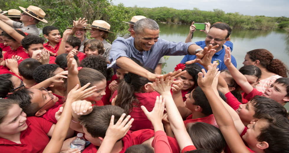 WEBSITE President with the Kids Earth Day 2015